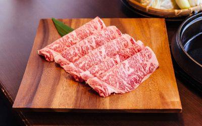 I piaceri della carne: le migliori bistecche al mondo secondo il Telegraph, da Hong Kong a Firenze
